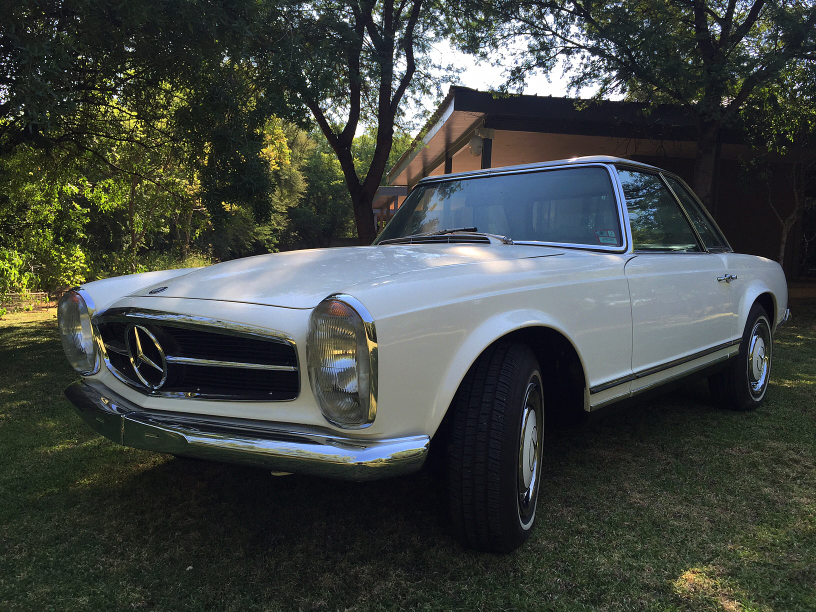 1968 Mercedes 280SL Pagoda - Exclusive to Vintage Car Importers